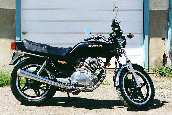 My Dads 1975 CB400-Hawk looked almost exactly like this picture as I remember it.